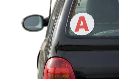 Un A qui veut dire affiliation... me semble-t-il